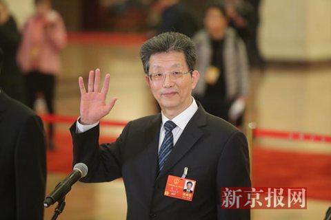 全国人大代表、北京市常务副市长张工在代表通道上回答记者提问。新京报记者 侯少卿 摄