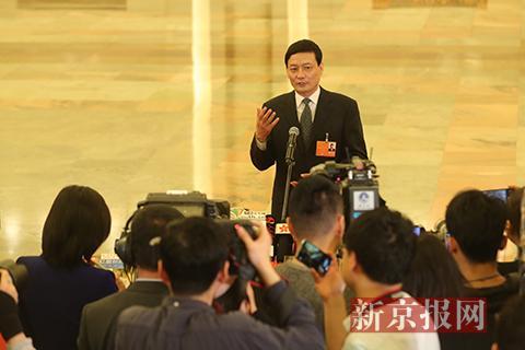 国务院国资委主任肖亚庆接受采访。新京报记者 侯少卿 摄