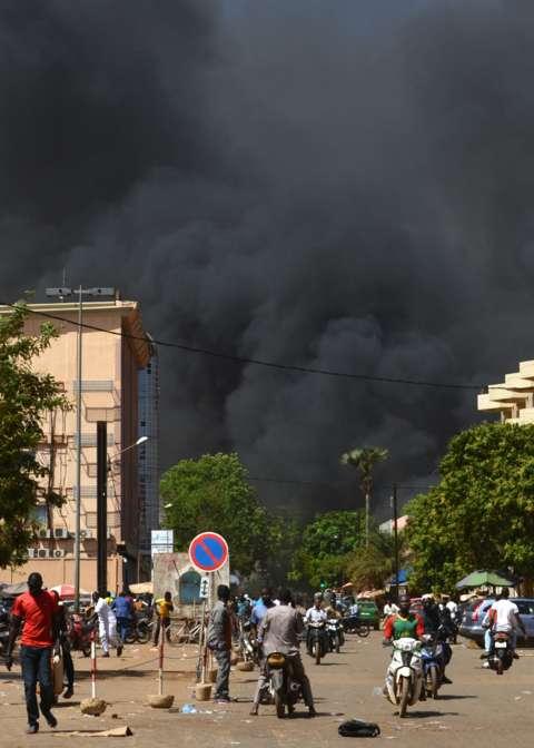 布基纳法索首都军队总部大楼附近爆炸 伤亡不详