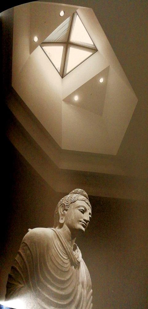 公元2世纪后半叶《犍陀罗立佛》(来源自美术馆官网)