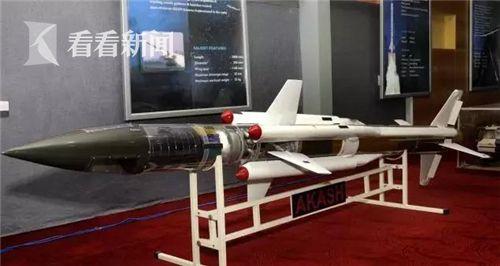 """""""阿卡什""""导弹模型"""
