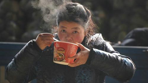 资料图片:中国仍然是全世界最大的方便面消费市场。(图片来源:英国广播公司网站)