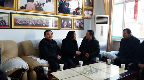 89岁高龄的全国人大代表申纪兰,仍然耳聪目明,腰直腿快,经常下地劳动,每天收看新闻联播。 中华人民共和国财政部官网 图