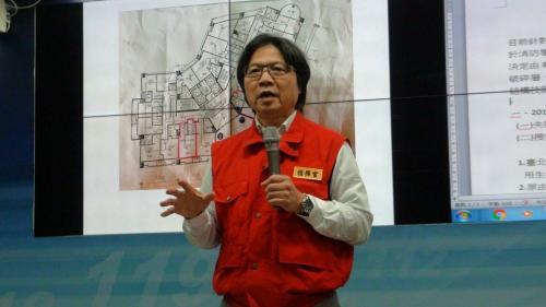 9日上午10时,台湾内务部门负责人叶俊荣表示,三方救援队在漂亮生活旅店213房,从呼吸、心跳及动作都探测到确定有生命迹象,因此决定将搜救时间再延长24小时。图片来源:台湾《联合报》