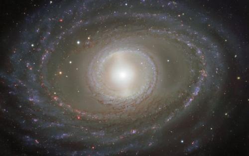 """遥远的星系""""珍珠"""":星云丝带环绕 高雅夺目(图)"""
