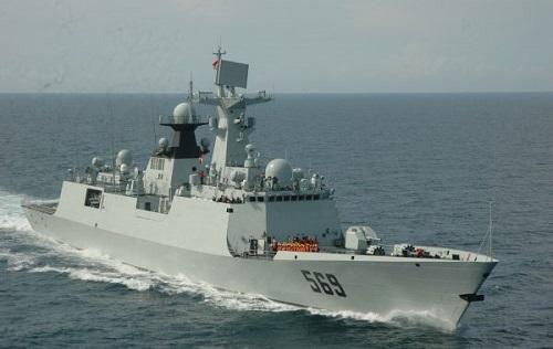 """资料图片:中国海军054A型导弹护卫舰""""玉林舰""""。"""