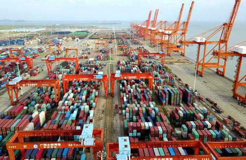 资料图片:这是广西钦州保税港区码头(2017年9月15日摄)。新华社记者 黄孝邦 摄
