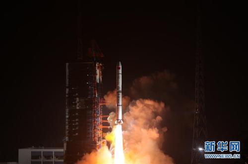 资料图:遥感三十号03组卫星发射升空。新华社发 梁珂岩 摄