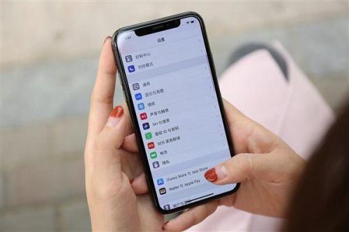 苹果明年准备了三款全面屏手机 最大有6.5英寸版本