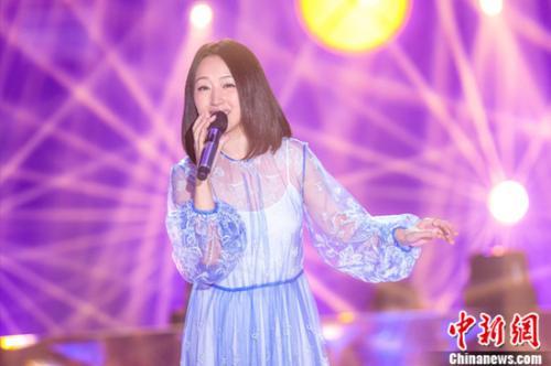 """杨钰莹、周蕙同台《不凡的改变》 挑战""""嘻哈摇滚"""""""