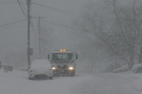 暴风雪侵袭美新州进入紧急状态 多郡持续停课