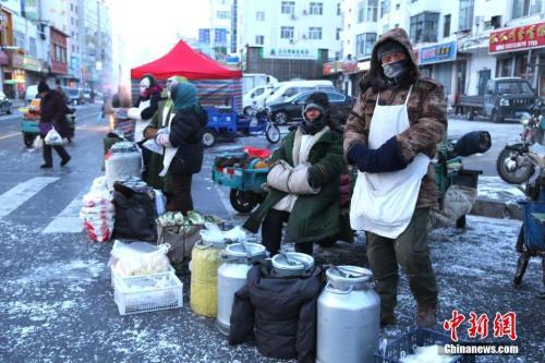 2018年1月23日,黑龙江黑河持续降温达近零下40度严寒天气。中新社发 张辉 摄 图片来源:CNSPHOTO