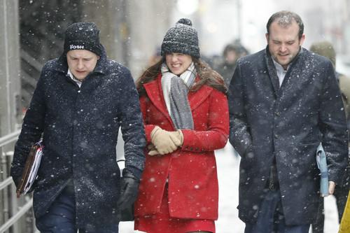 """外媒:""""东方野兽""""大寒潮重创英国 阿迪达斯运动服套装女装被冻死者或逾2000"""