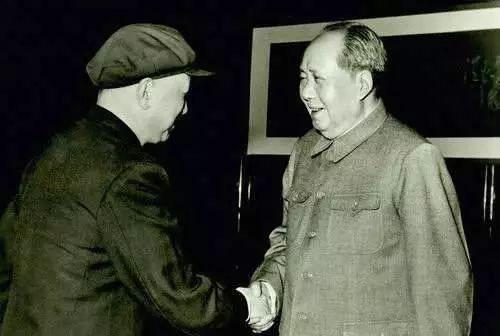 毛泽东主席会见钱学森