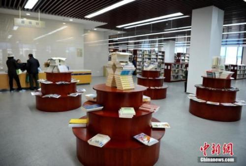 资料图:福州市图书馆(德旺图书馆)一角。张斌 摄