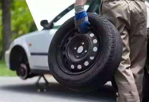 高速公路70%事故由爆胎导致,这些轮胎常识你要知晓!
