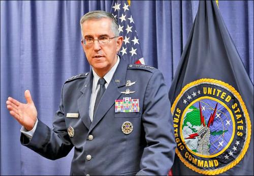 资料图片:美军战略司令部司令约翰<span class=