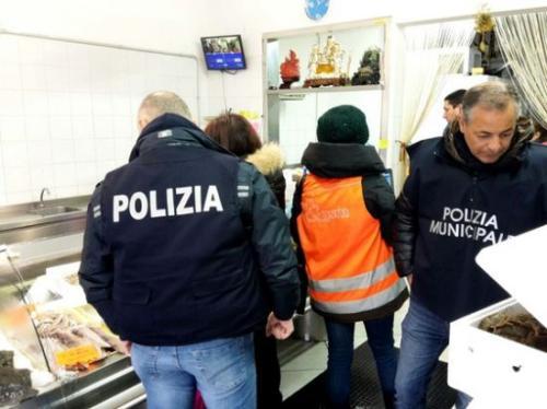 意大利华人海鲜店因龙虾产地不明 被罚2500欧元