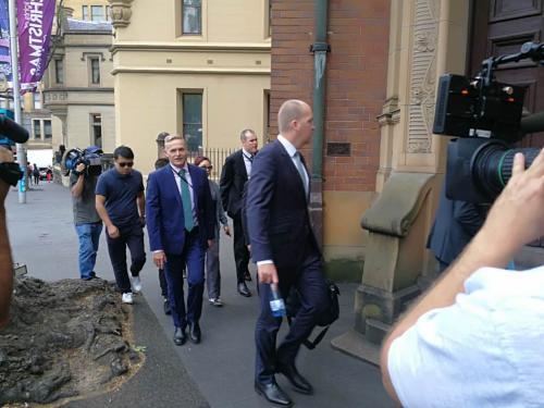 冷孟梅案律师步入法庭。(图片来源:澳洲新快网)