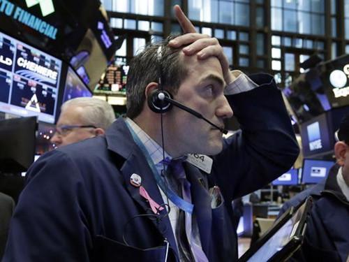 美股重挫 苹果等顶尖科技公司市值周一蒸发了近2000亿美元