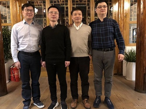 2018年2月7日,王欣出狱后与小鹏汽车董事长何小鹏、58同城CEO姚劲波、欢聚时代董事长李学凌合影。