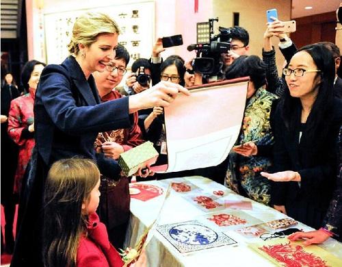 """中国春节全球刮""""红色旋风""""尽显世界""""范""""儿"""
