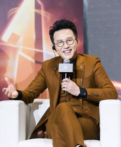 """金基德来华参加""""亚洲璀璨之星""""评选, 《摔跤吧爸爸》《芳华》等十九部影片入围"""