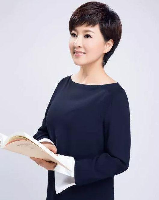 窦爱莉:贵州广播电视台《贵州新闻联播》主持人.