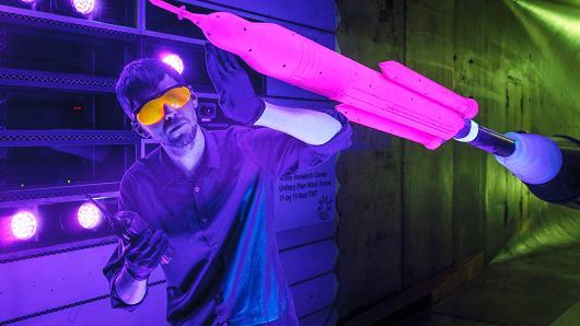 """工作人员正在研发""""太空发射系统""""。图片来源:NASA"""