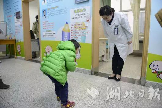 图片来源:湖北日报记者:余瑾毅