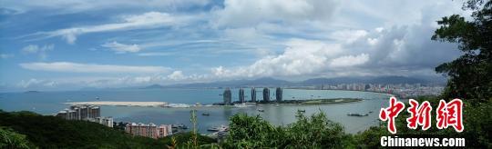 图为三亚凤凰岛。(资料图片) 尹海明 摄