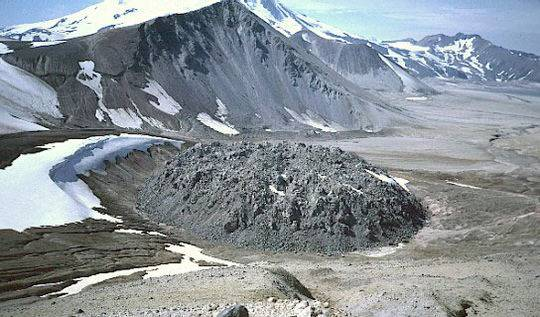 美国阿拉斯加的诺瓦鲁普塔火山穹丘