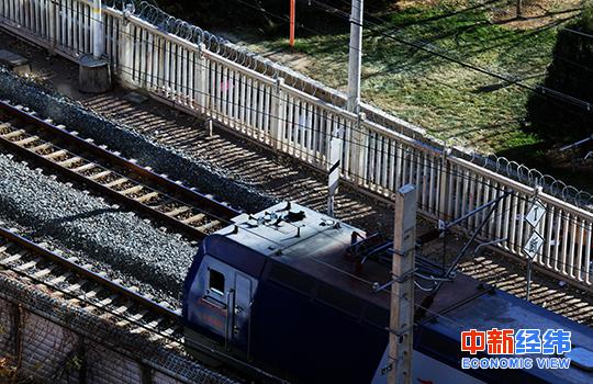 火车。中新经纬 王培文 摄