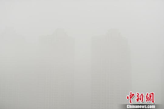安徽持续大雾 多地发布橙色预警