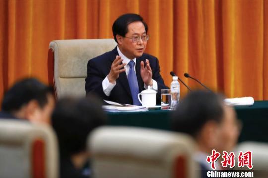 图为全国人大代表、浙江省委书记车俊。 富田 摄