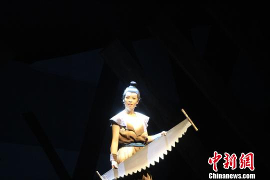 天津儿艺励志儿童话剧《少年鲁班》首演