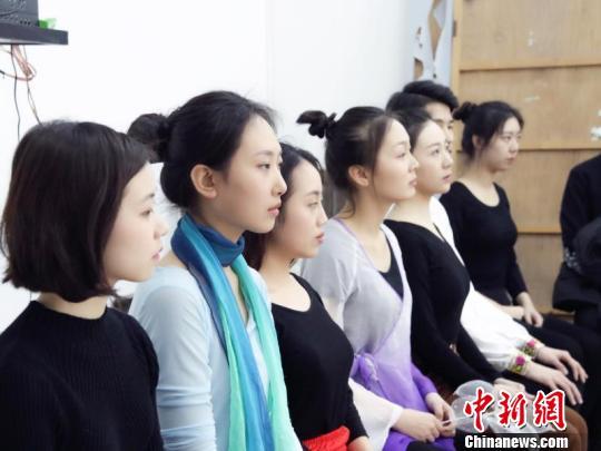 传媒影视报考人数陡增 上海一大学艺考爆棚(图)