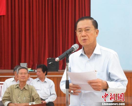 资料图:图为2014年7月杨启秋在华社聚会上致辞。