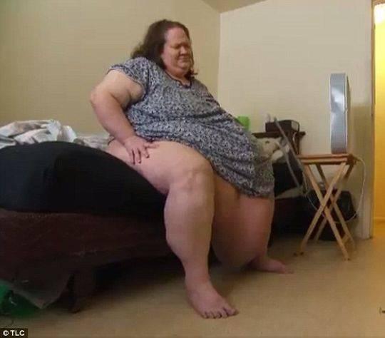 45岁Tamy,体重近600磅(约544斤)。