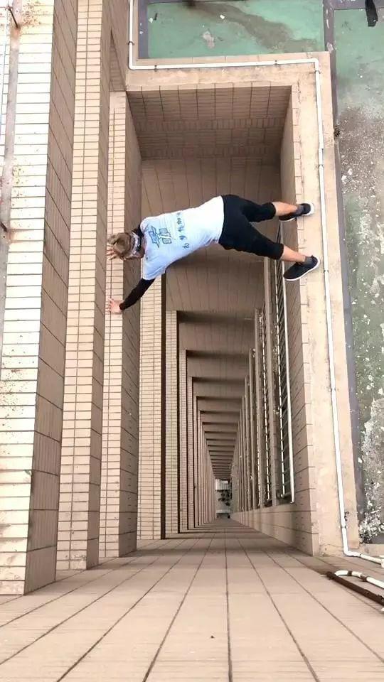 """▲图片截自""""极限-咏宁""""小视频"""