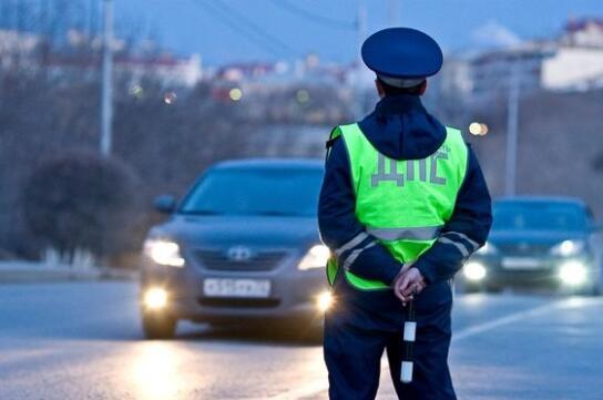 俄罗斯内政部日前通过一项法令,决定裁掉1万名交警。(图源:Eadaily网站)
