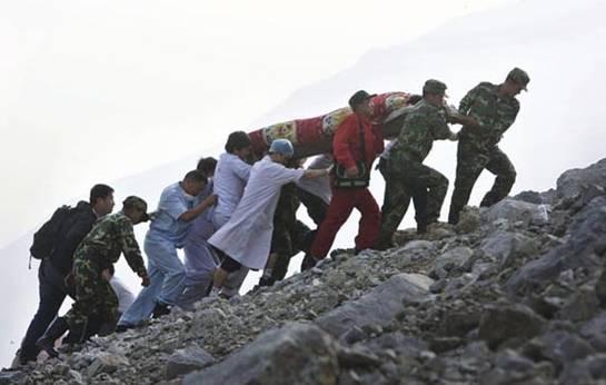 ▲汶川地震中勇于担当的80后青年