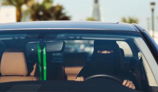 优步和Careem在沙特首次招聘女性专车司机(图片来源:CNN)