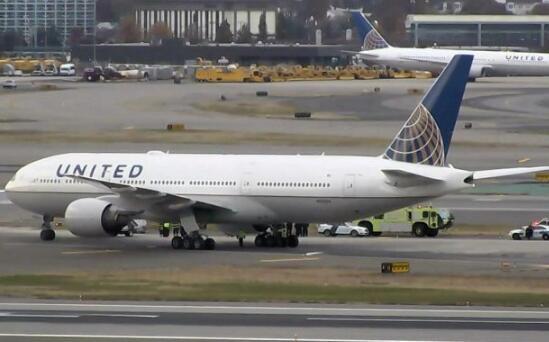 美联航UA961的波音777客机(图片来源:美国航空网站)