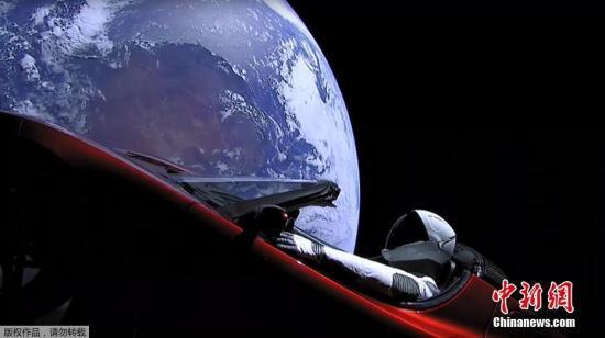 """特斯拉跑车""""开进""""太空 科学家:不到一年就得解体"""