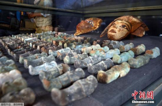 埃及发现两座3500年前墓葬 出土木乃伊等文物