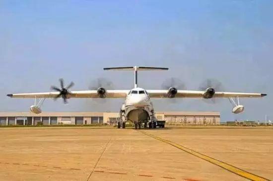 厉害了我的国!能上天能下海还能灭火,国产水陆两栖大飞机AG600