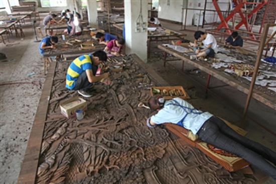 3.6公里长乌木浮雕初成型:六百工匠14年雕出华夏五千年
