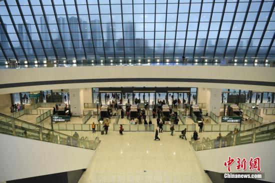 资料图:西部地区最大的客运站重庆西站。陈超 摄