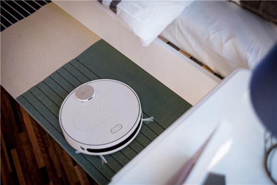 基于无人驾驶技术360发布智能扫地机器人